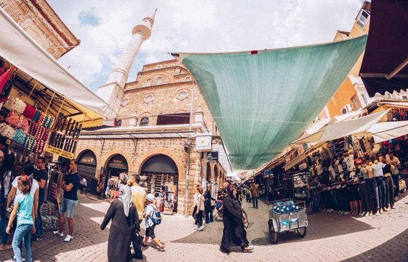Большой базар Кемералты