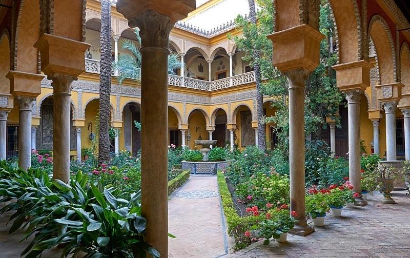 Дворец Де-лас-Дуэньяс