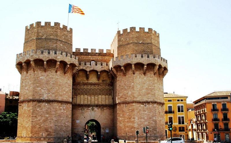 Ворота Торрес-де-Серранос