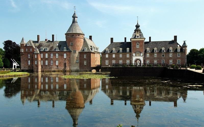 Замок Вассербург-Анхольт