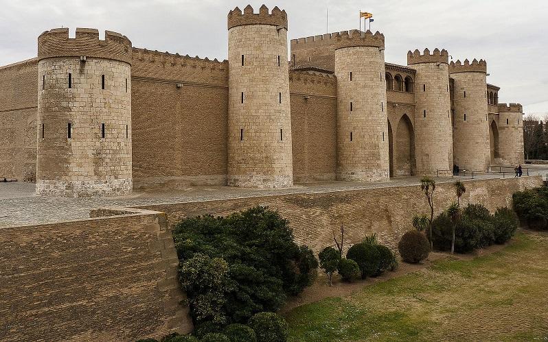 дворец альхаферия в сарагосе