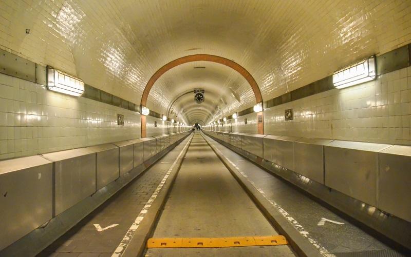старый тоннель под эльбой гамбург