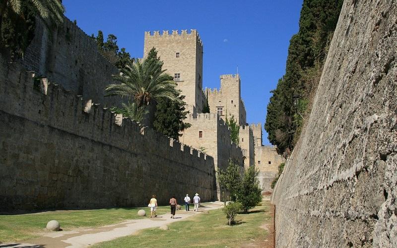 городские стены родос