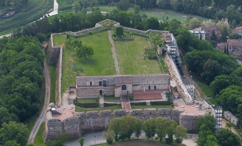 крепость медичи сиена