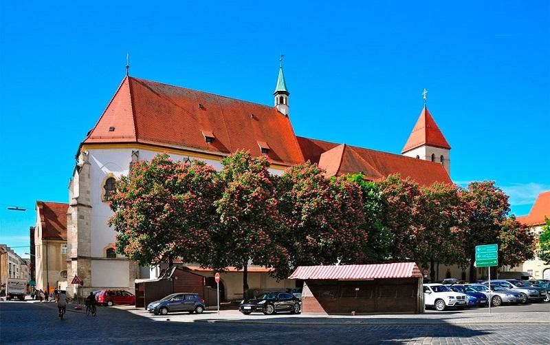 старая капелла в регенсбурге