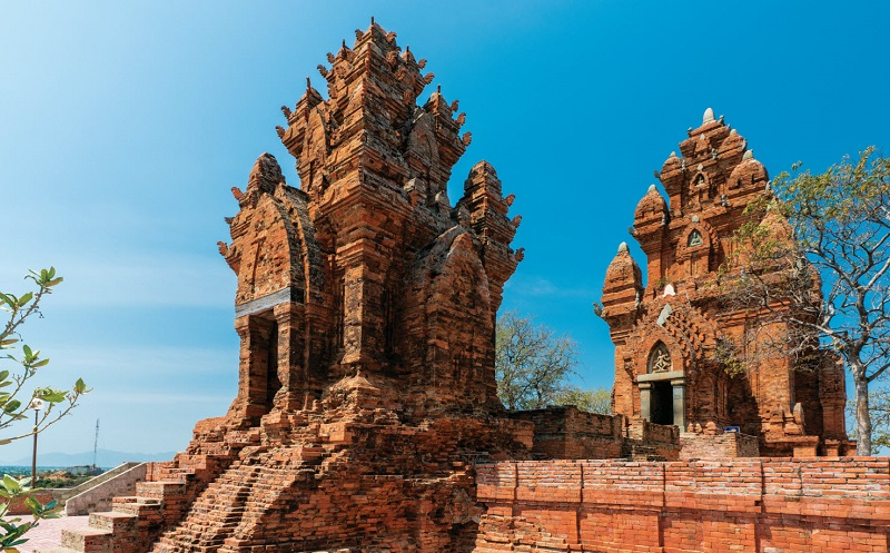 чамские храмовые башни