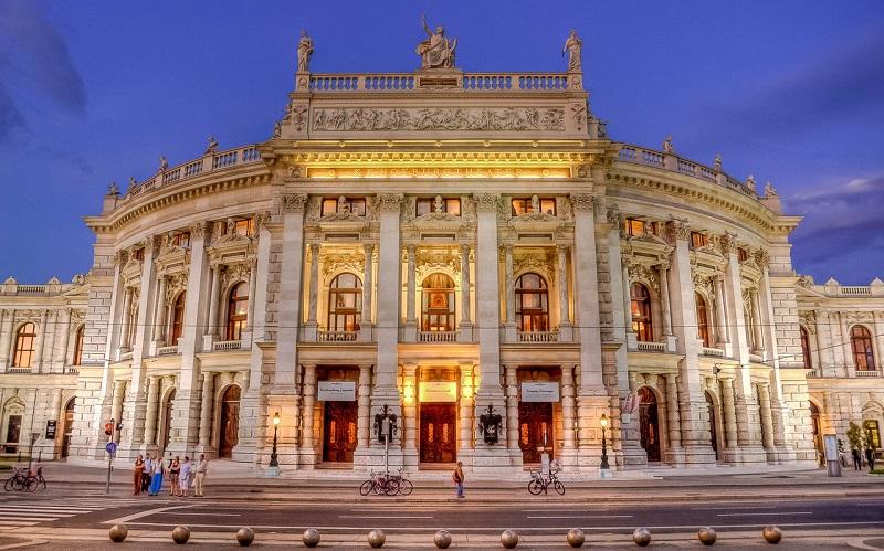 театр бургтеатр