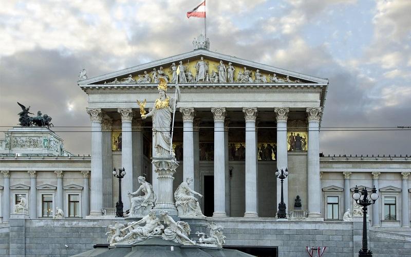 здание парламента вена
