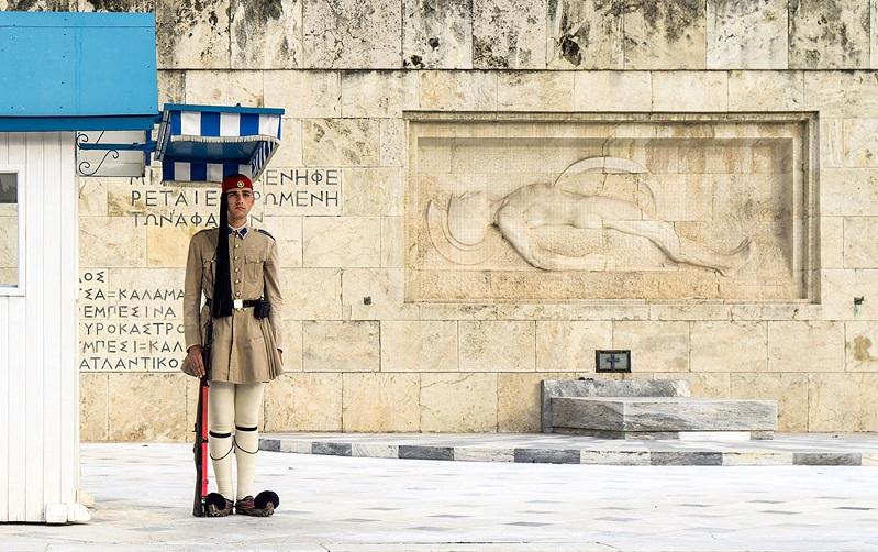 почётный караул у могилы неизвестного солдата