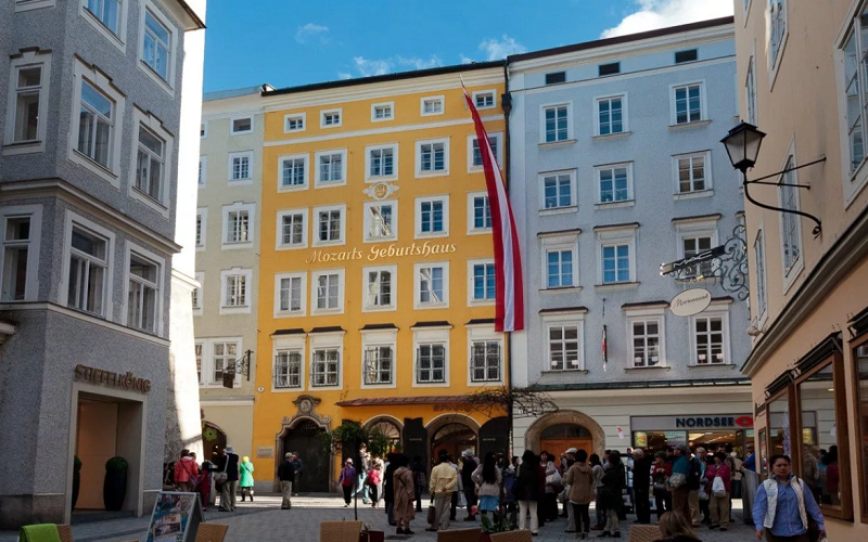 дом рождения моцарта в зальцбурге