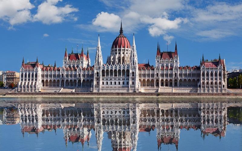 парламент венгрии здание