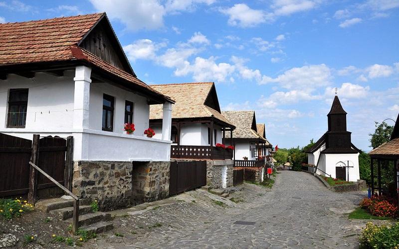 село холлокё