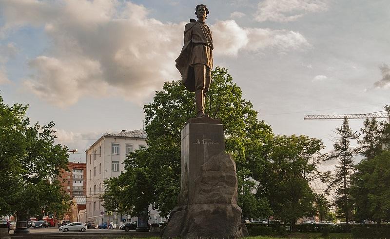 памятник максиму горькому нижний новгород