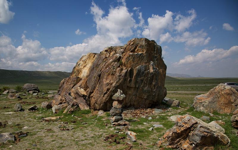 тархатинский мегалитический комплекс