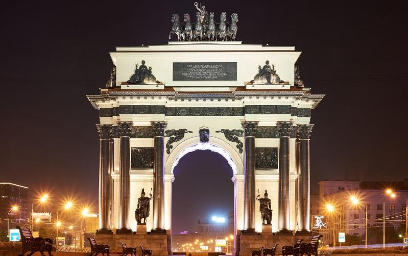 триумфальные ворота москва
