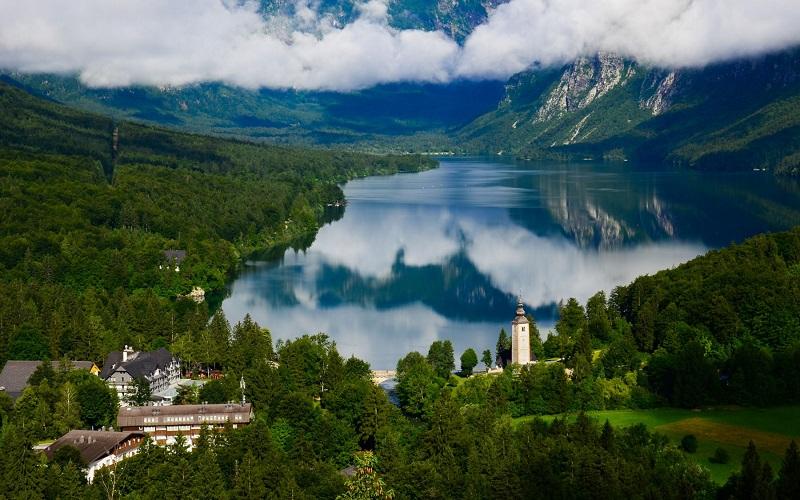 бохинское озеро словения